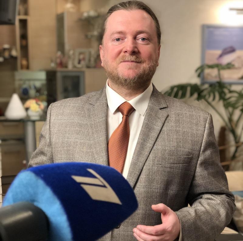 Артем Кузнецов с комментарием эксперта на 1 канале